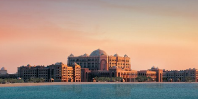 An image of Emirates Palace on the beach on Abu Dhabi